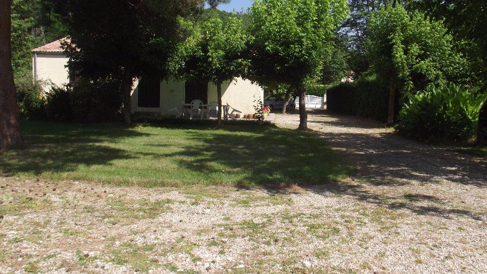 Aire camping-car à Montcaret (24230) - Photo 2